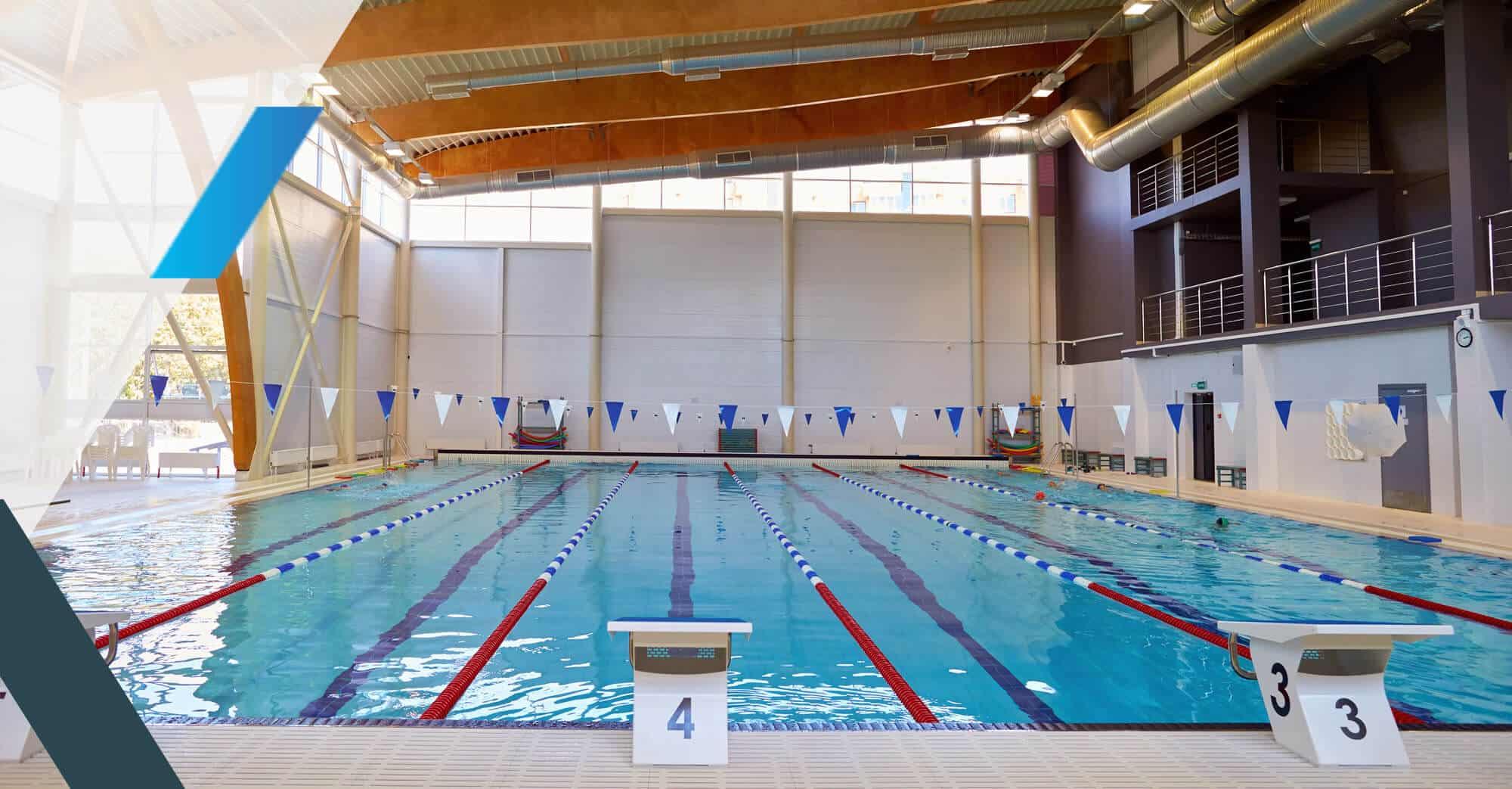 Un bassin d'une piscine municipale