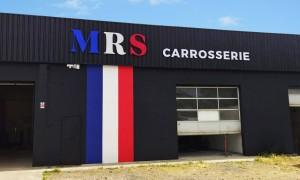 Enseigne MRS carrosserie éclairée à Saint Priest