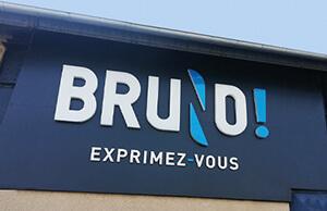 Enseigne lumineuse de l'Agence Bruno